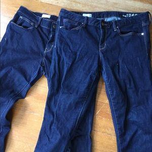 2 pairs GAP skinny jeans dark wash 31 short